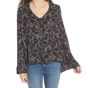 NEW Hinge Bell Sleeve Patterned Blouse
